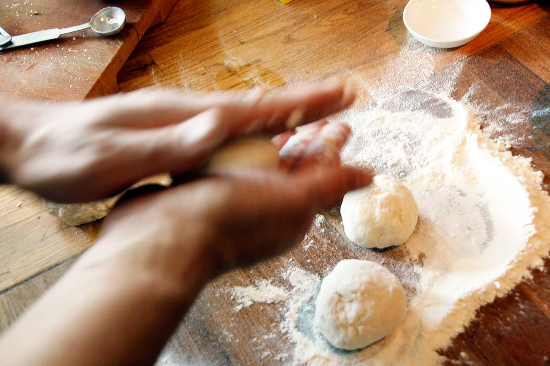 Indiaas naanbrood maken